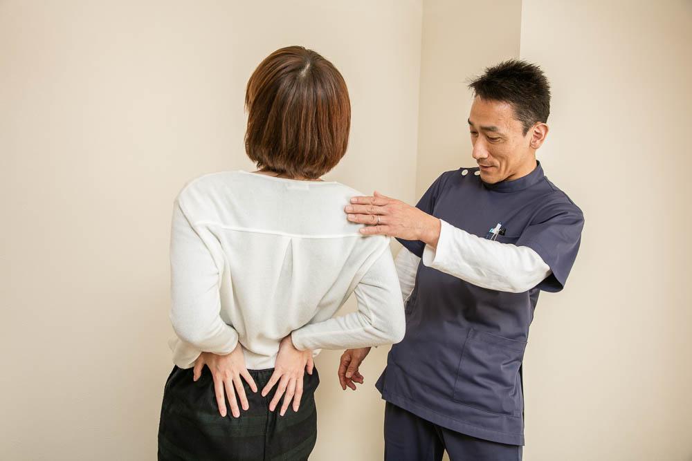 腰部の施術後の検査