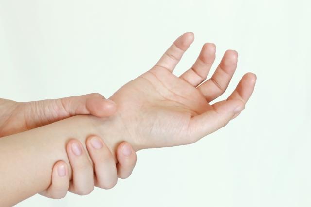 手を痛めた写真